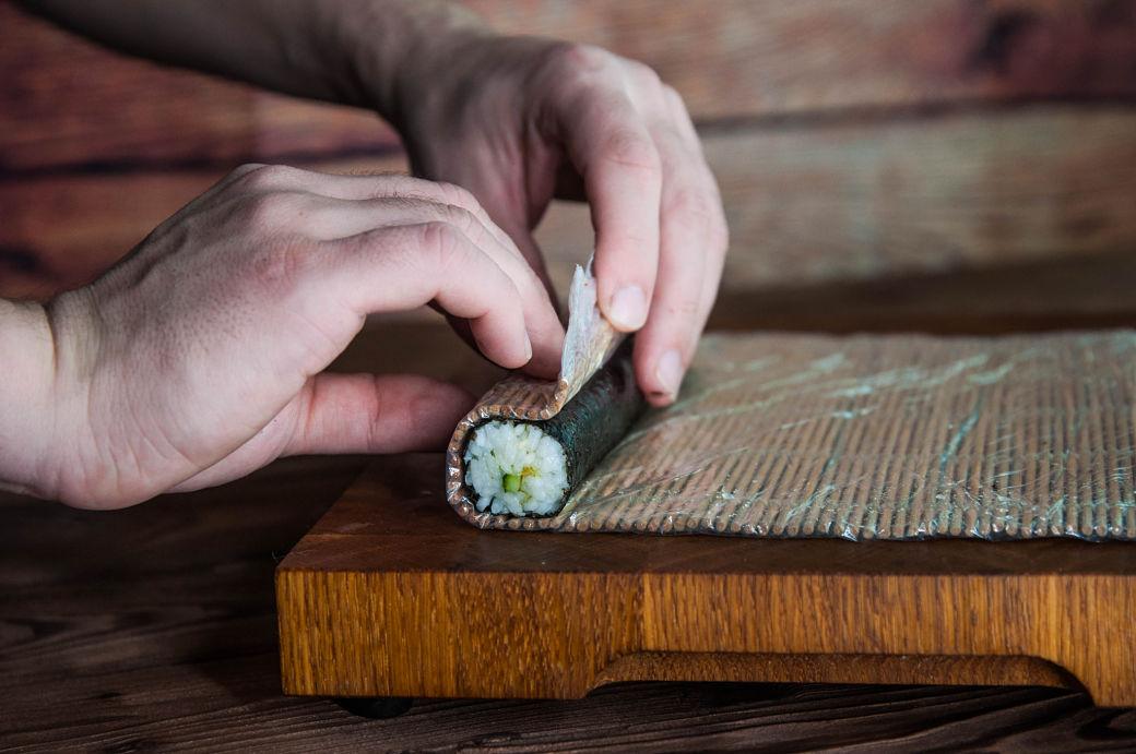 Esterilla de bambú o makisu para enrollar los maki