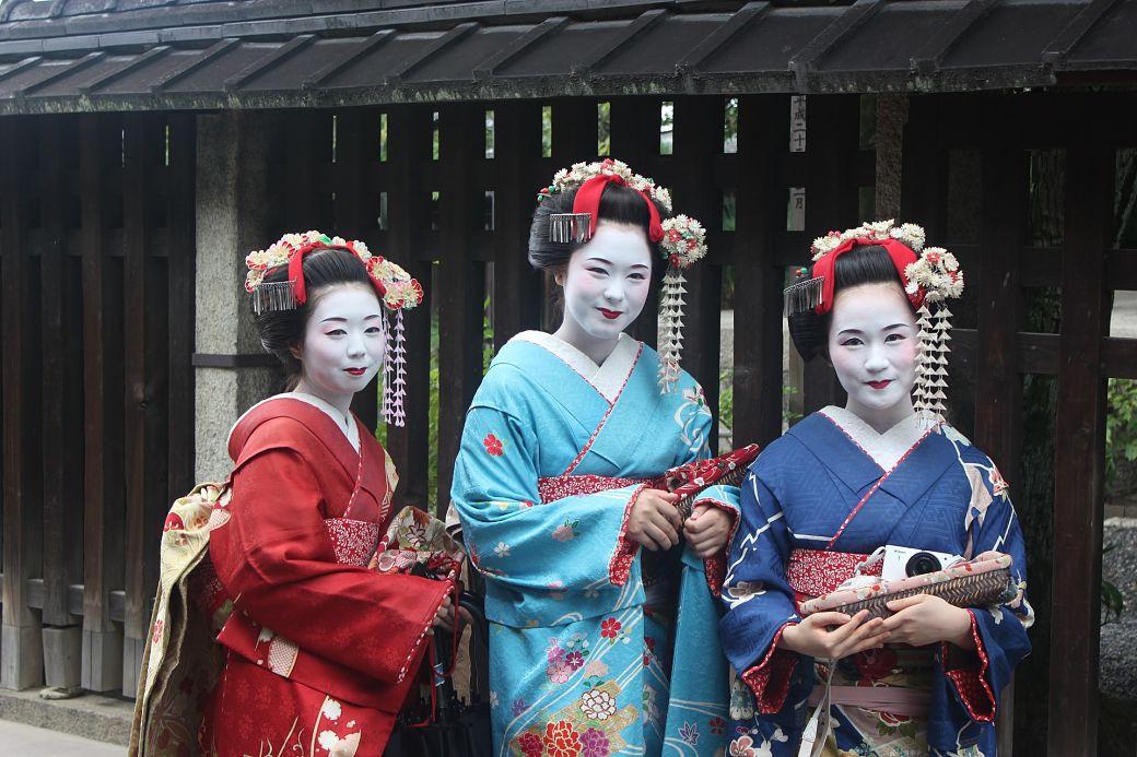 Maiko, aprendices de geisha en el barrio de Gion, Kioto