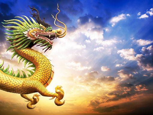 Dragón japonés surcando los cielos