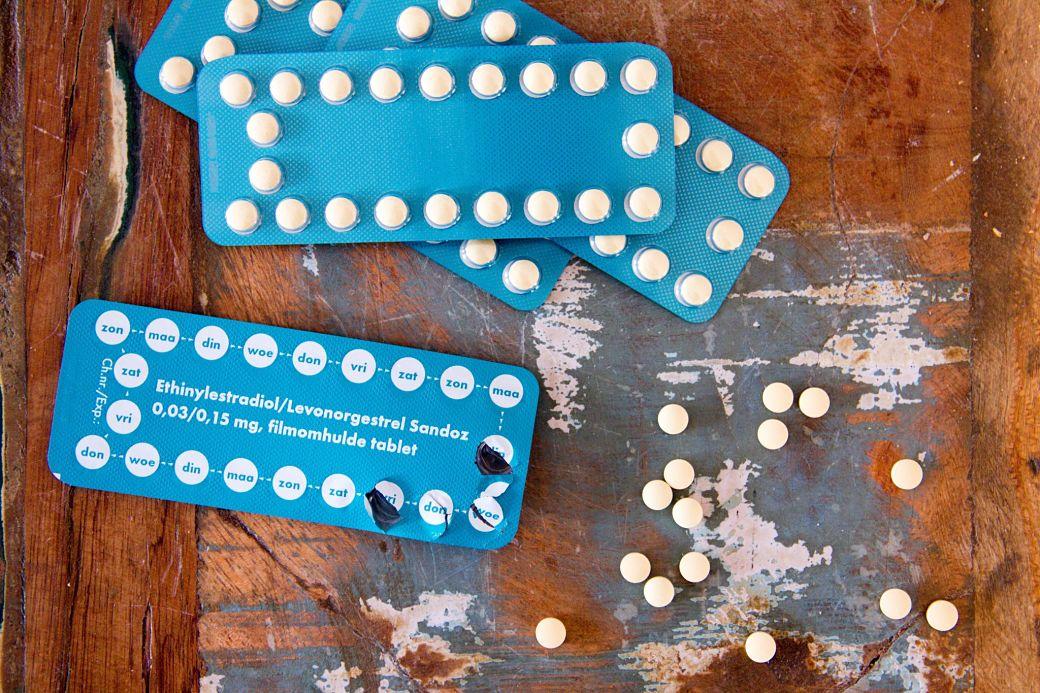 Pastillas en cajas de color azul