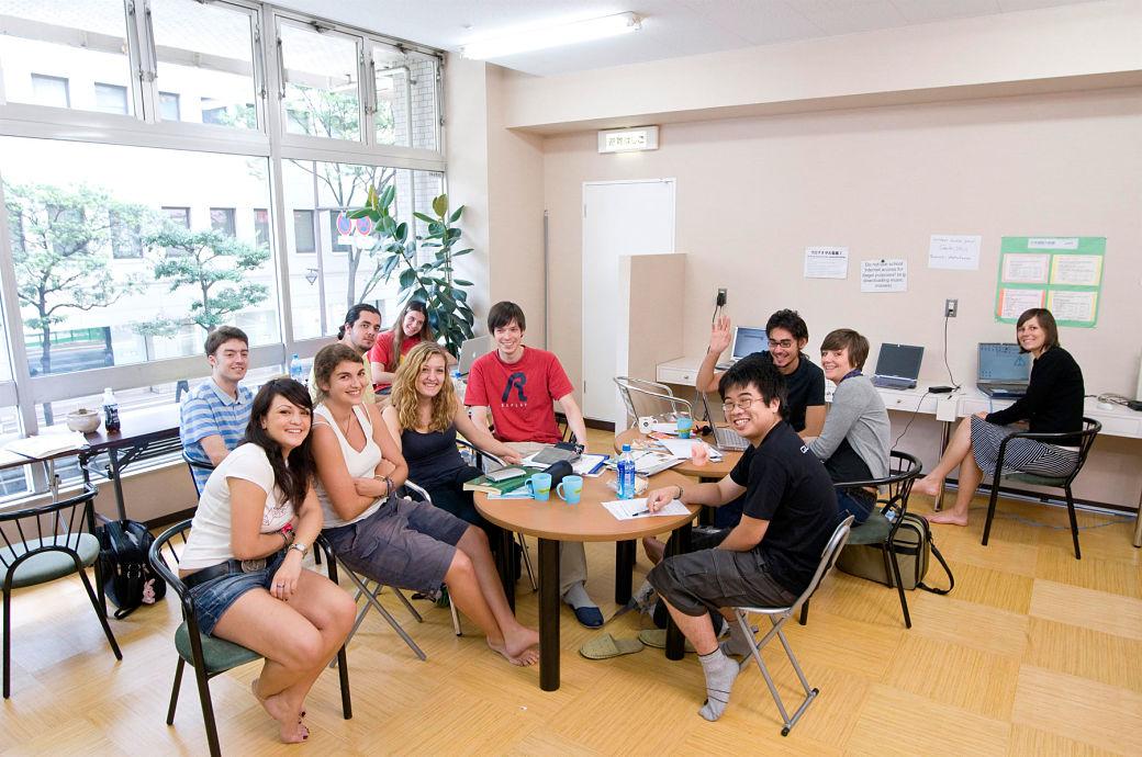 Alumnos de academia que han conseguido la visa de estudiante para Japón
