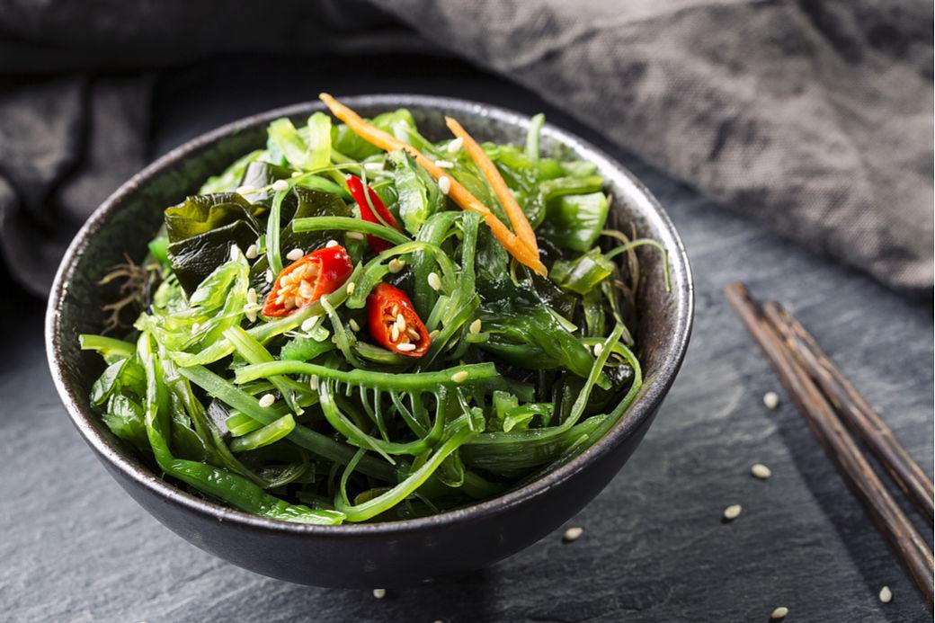 Ensalada de algas japonesa