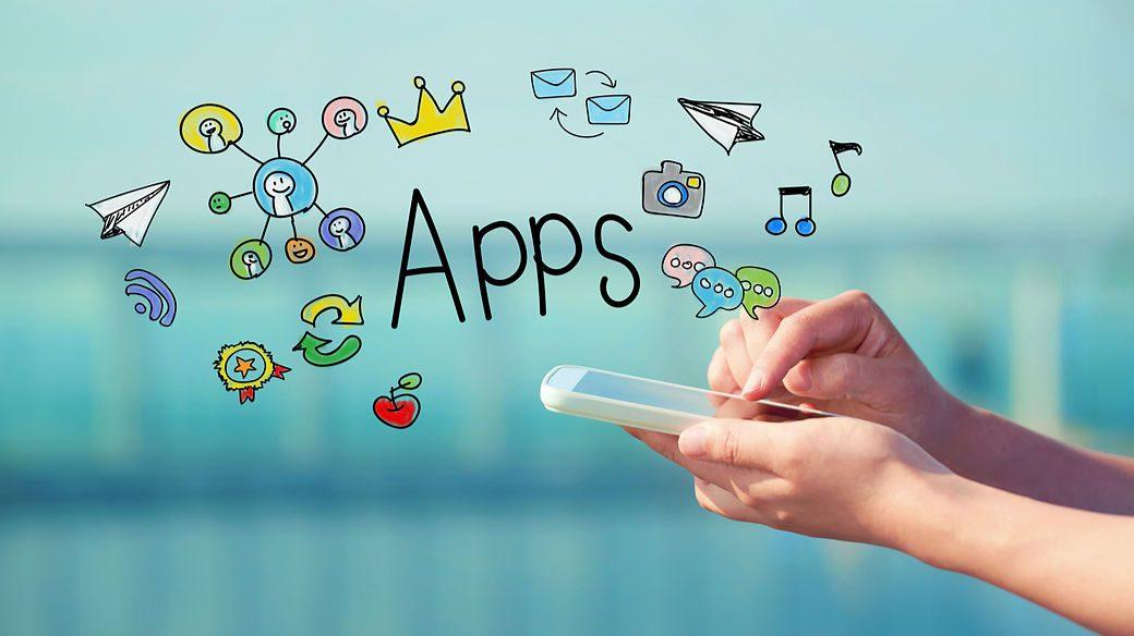 Nube de aplicaciones saliendo de un smartphone