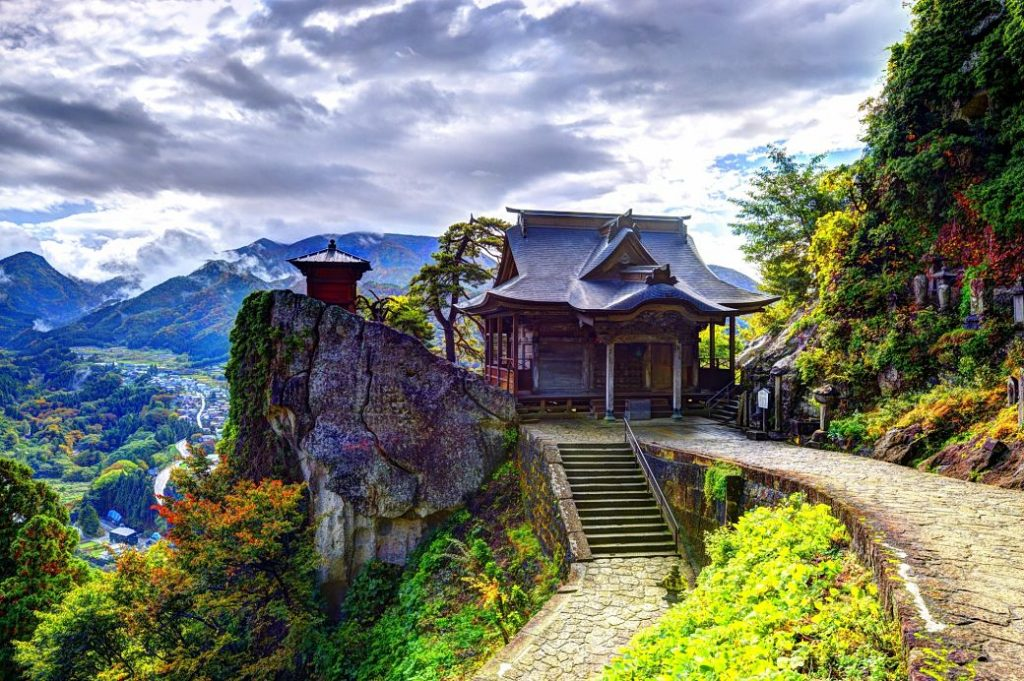 Santuario de Yamadera en la prefectura de Yamagata, Tohoku, Japón.